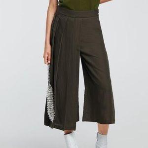 NWOT Zara Pleated Split Skirt/Culottes